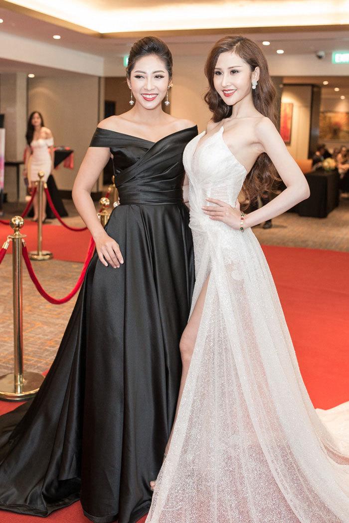 Hoa hậu Thu Thảo phấn khích vì Michael Owen diễn thời trang tại Việt Nam