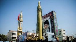 """Thế giới 24h: Iran """"khoe"""" dàn tên lửa mới dằn mặt Mỹ"""