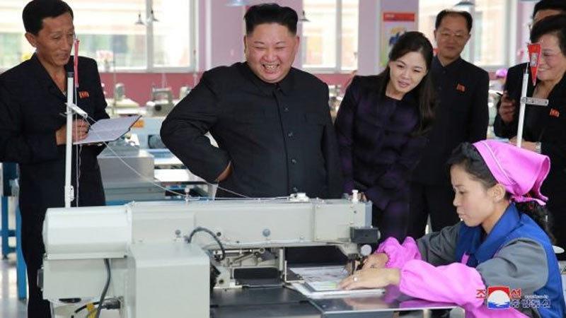 Loạt ảnh Kim Jong Un tất bật thị sát các loại nhà máy
