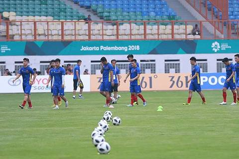 U23 Việt Nam khởi động trước trận gặp U23 Pakistan