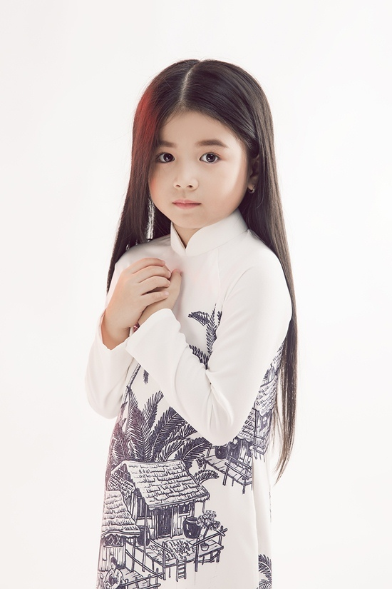Sau tranh cãi tóc dài, H'Hen Niê làm cô giáo tóc ngắn trường làng