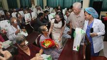 Mổ mắt miễn phí cho 400 bệnh nhân nghèo