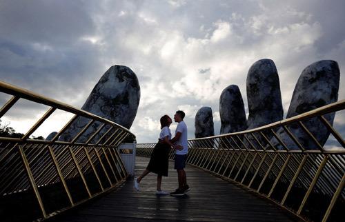 Truyền thông quốc tế ca ngợi Cầu Vàng - Đà Nẵng