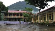 Trường tiểu học đổ sập trong lúc đang sửa chữa