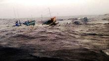 4 người thoát chết sau 2 giờ ôm can nhựa bơi trên biển