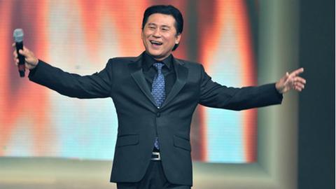Clip Tạ Minh Tâm thể hiện Đất nước trọn niềm vui