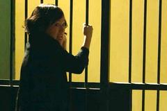'Cả một đời ân oán' tập 70: Lan Phương hóa điên khi bị tống vào tù