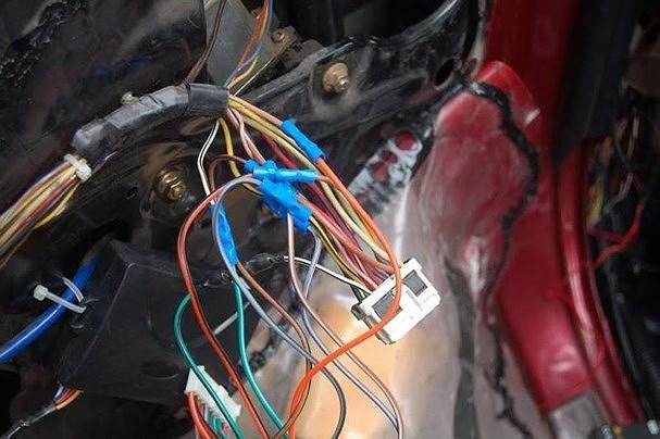 8 dấu hiệu xe ô tô cũ sắp thành sắt vụn không nên mua
