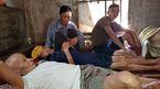 Con trai câm điếc, vợ nghèo kiệt quệ lo cứu chồng ung thư phổi