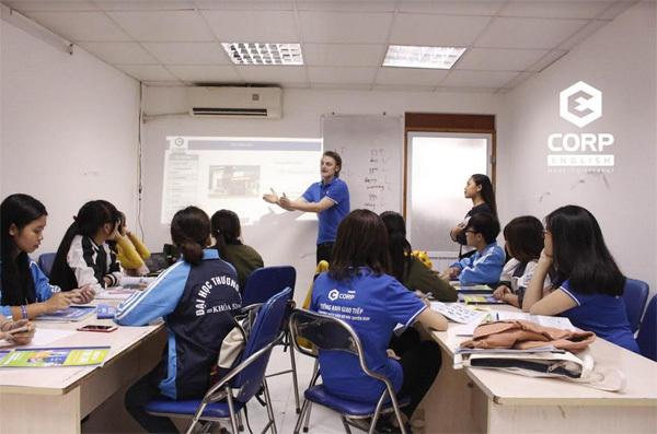 Môi trường bản ngữ- cơ hội nâng cao tiếng Anh cho SV