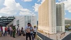 Công nhân vây siêu dự án dát vàng ở Đà Nẵng đòi tiền lương