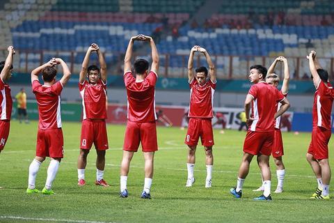 U23 Việt Nam khởi động trước trận gặp U23 Nepal
