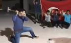 Phản đối ông Trump, dân Thổ Nhĩ Kỳ đập nát iPhone