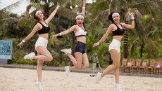 Thí sinh Hoa hậu Việt Nam khoe chân dài, eo thon trên bãi biển