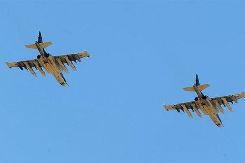 Xem chiến đấu cơ Nga diễn tập hạ cánh giữa đường đông