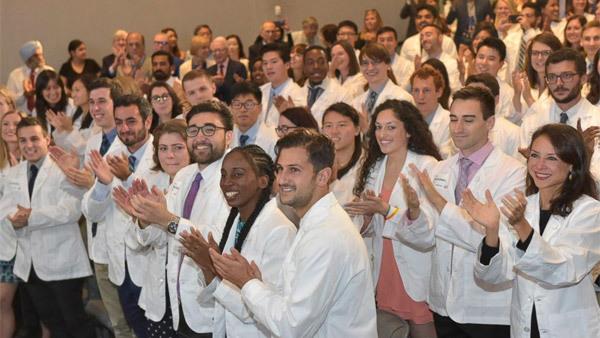 trường y,sinh viên y khoa,miễn học phí,học bổng toàn phần,học bổng Mỹ
