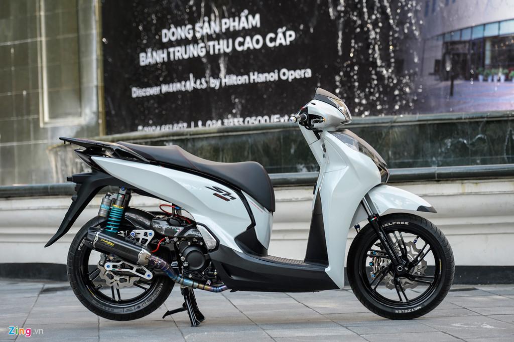 Honda SH 300i độ gần 200 triệu tiền đồ chơi tại Hà Nội