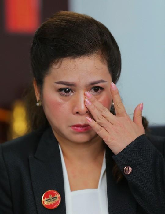Mẹ Đặng Lê Nguyên Vũ 2 lần đau đớn đưa con trai đi giám định tâm thần