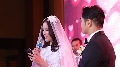 Á quân Next Top Model 2010 Tuyết Lan kết hôn với doanh nhân Việt Kiều