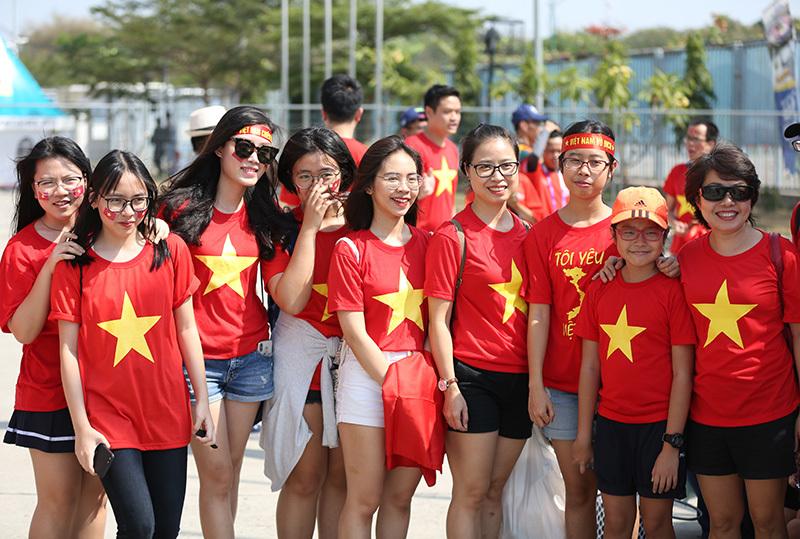 Bóng hồng Việt đổ bộ sân Wibawa Mukti tiếp lửa U23 Việt Nam