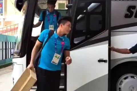 U23 Việt Nam đến sân chuẩn bị cho trận gặp U23 Nhật Bản
