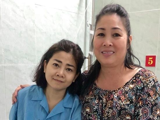 Mẹ Mai Phương lo lắng vì sức khỏe của con gái rất yếu