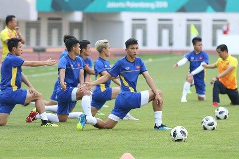 U23 Việt Nam khởi động trước trận gặp U23 Nhật Bản