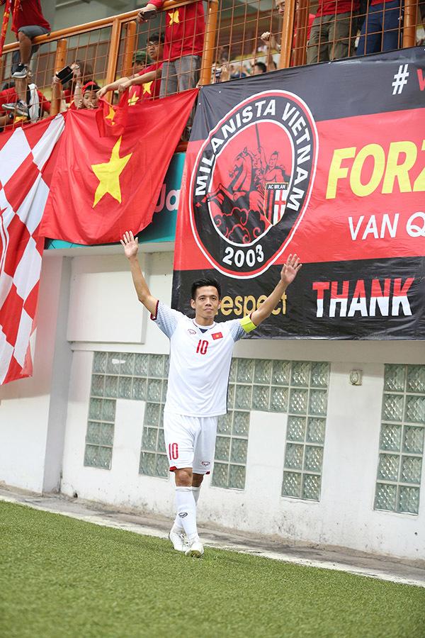 U23 Việt Nam ăn mừng điệu viking, Công Phượng an ủi cầu thủ Nhật Bản