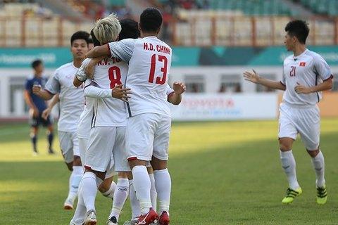 U23 Việt Nam ăn mừng, cảm ơn CĐV sau chiến thắng Nhật Bản