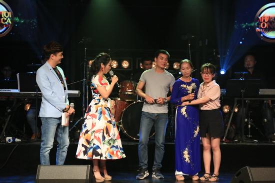 Ốc Thanh Vân, Ngô Kiến Huy nhảy như sâu đo trên sân khấu Hàn