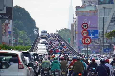 Đường Sài Gòn kẹt cứng vì lý do không ngờ ?