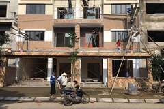 Dãy nhà liền kề HUD cải tạo sai quy hoạch, chủ đầu tư đổ lỗi cho dân