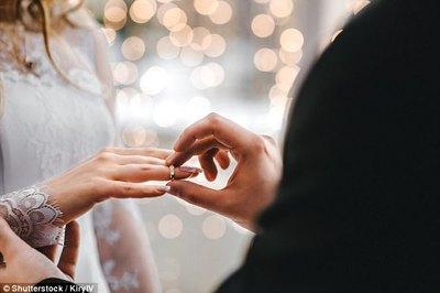 Mẹ chồng tái mặt trước yêu cầu của con dâu trong lễ ăn hỏi