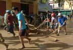 Lũ bùn tấn công, hàng ngàn học sinh Nghệ An chưa thể đến trường