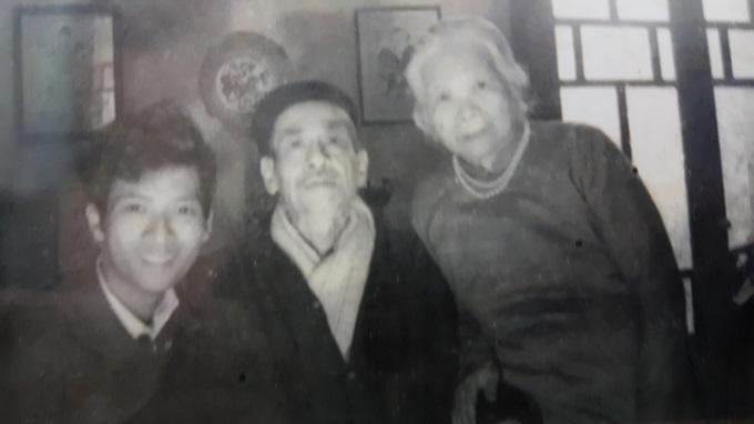 Vợ chồng GS Yến và con trai Bùi Nguyễn Trần Hy