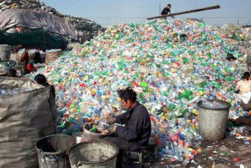 Sau 40 năm tái chế phế liệu, Trung Quốc chiếm 50% xuất khẩu nhựa thế giới, Việt Nam đang nối gót!