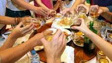 Rượu 'Tây' bán tràn trên mạng: Vô tư phạm luật, ngang nhiên trốn thuế