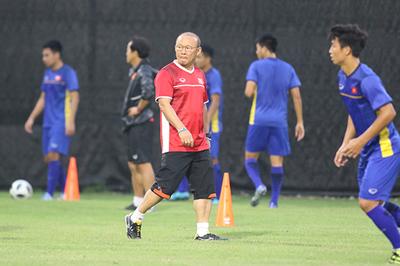 U23 Việt Nam đấu U23 Bahrain: Thầy Park chơi bài ngửa