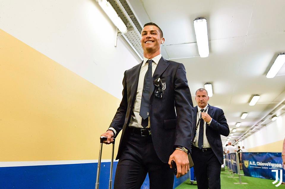 MU 'đền' Toby Alderweireld cho Mourinho, Juventus chóng mặt Ronaldo