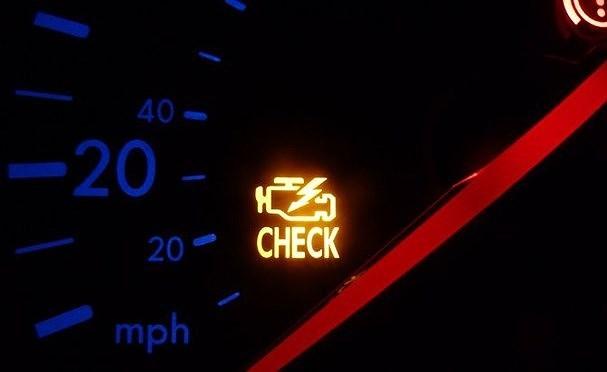 8 nguyên nhân sáng đèn báo lỗi động cơ và cách xử lý