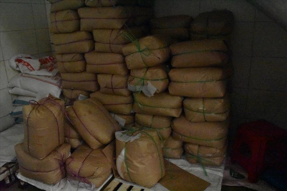 Quán cơm tấm Kiều Giang nổi tiếng bị phát hiện sử dụng nguyên liệu lạ