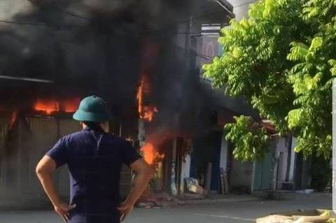Cháy cửa hàng ở Hải Phòng