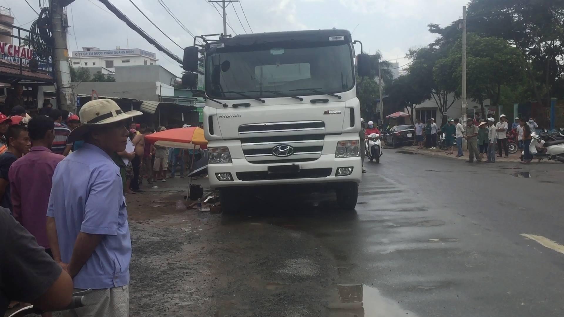 Học sinh lớp 4 bị 'hung thần' xe ben tông tử vong trên đường về nhà