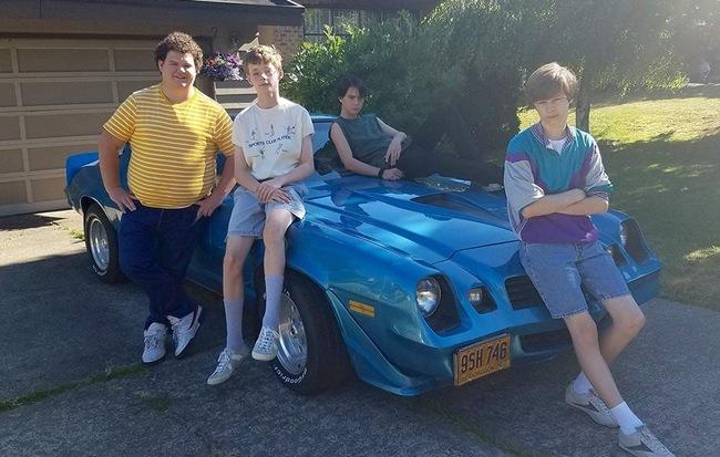 Phim tuổi teen Mùa hè kinh hoàng '84 ra mắt trailer rùng rợn