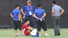 Đình Trọng đau, HLV Park Hang Seo 'tái mặt' trước trận gặp Bahrain