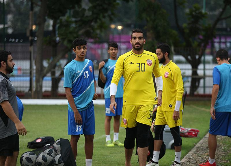 U23 Bahrain mải miết 'liếc' U23 Việt Nam trên sân tập