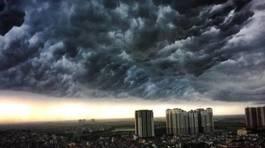 Dự báo thời tiết 23/8: Hà Nội oi nóng, chiều tối mưa dông