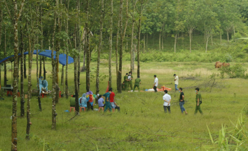 Ném xác chết vào vườn cao su để giá họa cho hàng xóm
