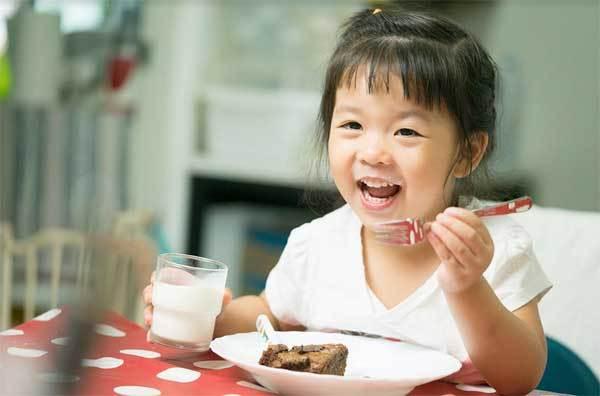 Dưỡng chất HMO trong sữa giúp trẻ tăng cường sức đề kháng