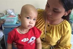 Bị ung thư, bé trai 20 tháng tuổi cần được giúp đỡ